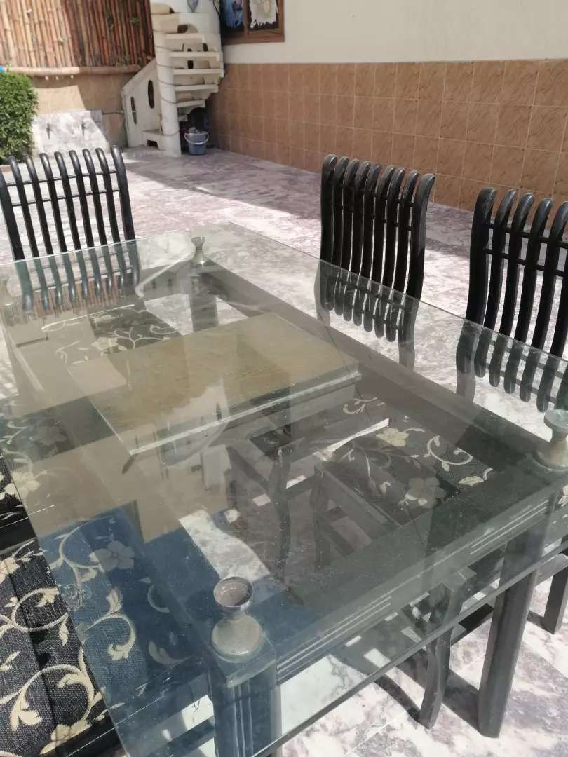5 seater Dining table 0