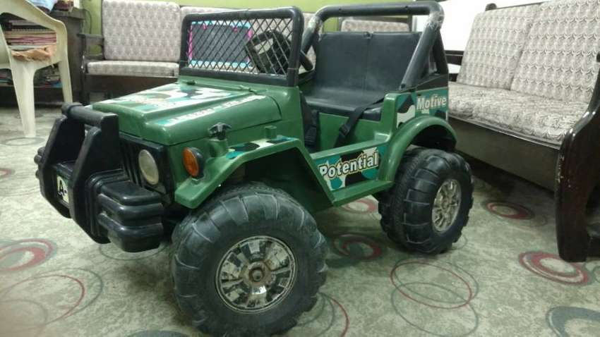 Double kid sitting, Double Speed & Motor Double Battery Operated Jeep 0