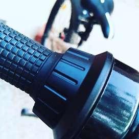 Double Disk Brake.. Tyre size. 26×3.0  Magma bikes