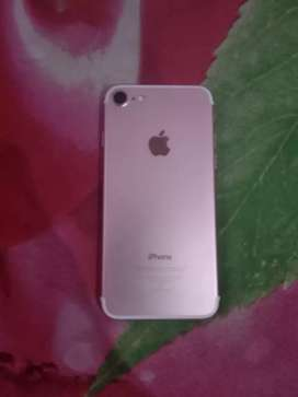 iPhone 7 rose gold 8 month old with bill box
