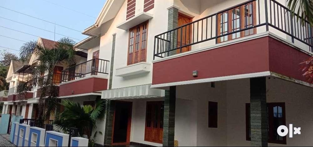 villa for sale in 8 villa community.