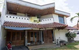Rumah Besar Tanah Luas Cocok Kantor dkt Jogja Expo Center & Amplaz
