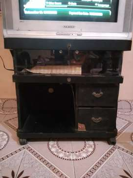 Tv, stand, DVD player