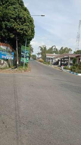 Tanah luas strategis poros jalan di Poncokusumo Malang