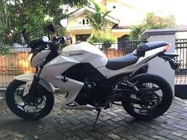 Kawasaki Z250 fi 2015 warna putih