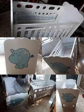 Tempat tidur/box bayi merk informa
