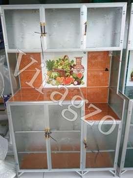 Rak lemari Piring Kaca 3 pintu Keramik Bawah