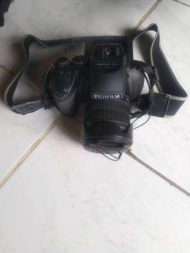 Dijual Fujifilm Hs35exr Prosumer Murah bisa zoom sampai 30x