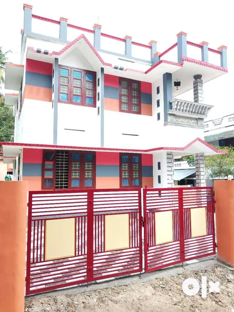 3car parking in side trivandrum peyad thachottukavu