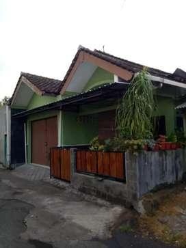 Rumah di mrisi Madukismo Bantul diy