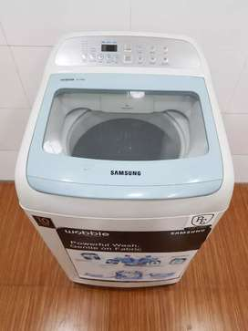 Samsung wobble 6.2kg white and blue top load washing machine