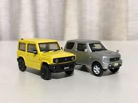 Miniatur Jimny jb23 + jb64 . 1:64