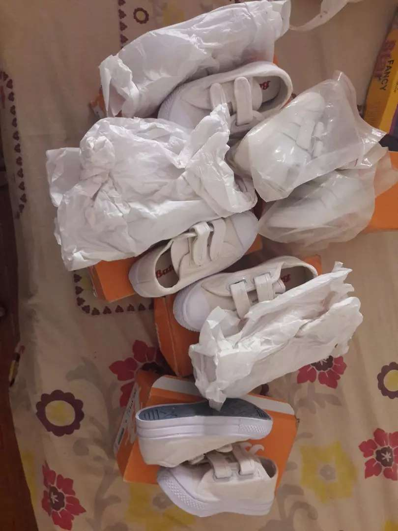 School Shoes for kids upto age 5yrs 0