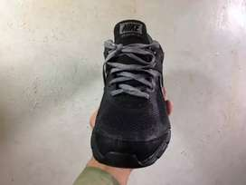 Second Hand Shoes (Nike) Size 10.5