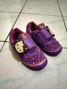 Jual cepat  sepatu anak merk ANDO layak pakai