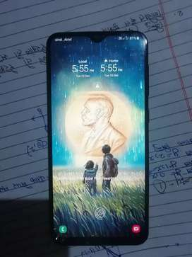 Samsung A50  8 month old  4 64 internal good condition with bo