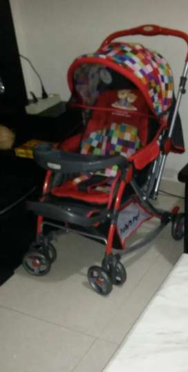 baby stroller/pram is available for sale