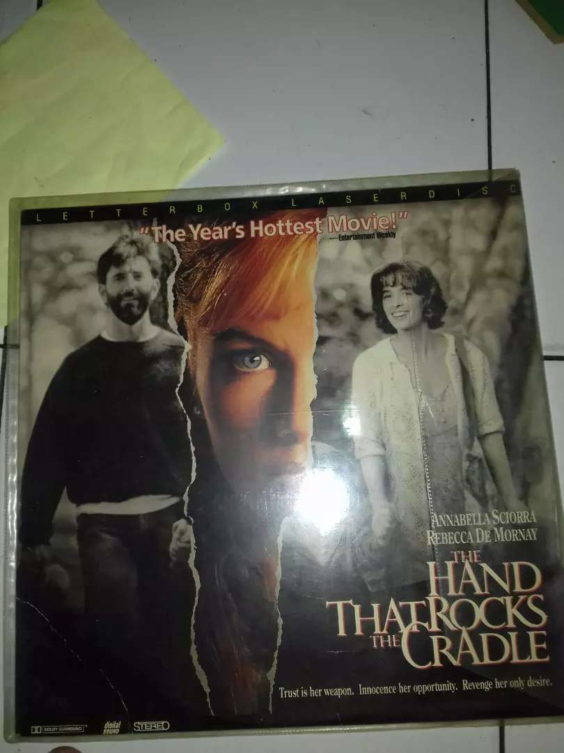 cakram laser disc film the hand that rock the cradle 0