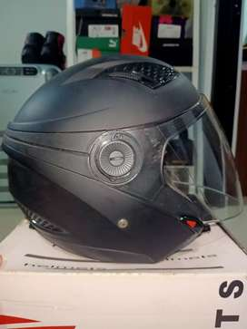 Helm Zeus ZS610 Like New