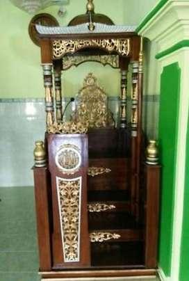 mimbar masjid ukir model pintu depan
