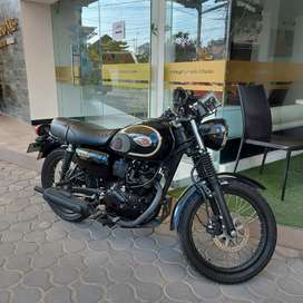 Motor Kawasaki W175 SE BLACK Like New 2019 / Custom