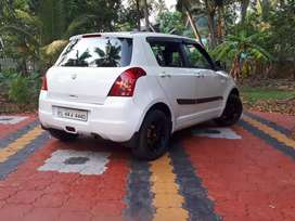 Maruti Suzuki Swift 2010 with ABS alloys