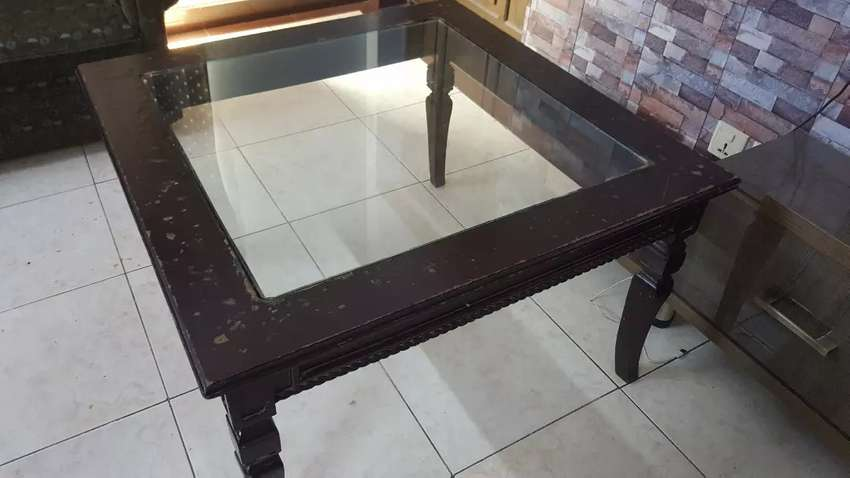 Center Table 0