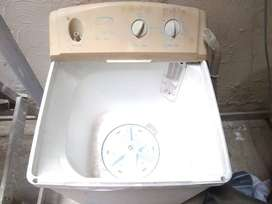 Washing maching excellent condition