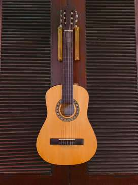 Like new - the Carlos Classical Guitar/ C34!!