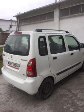 Well maintained White WagonR VXI top model for Sale