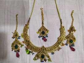 Kundan Set in Multicolor