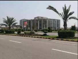 5 MARLA PLOT FOR SALE PRIME LOCATIIN WITH FACING PARK NEW LAHORE CITY