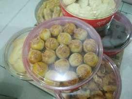 Kue kering/kukis semprit, coklat, putri salju, kacang dll