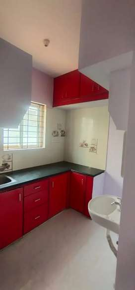 1bhk house is available @5,999