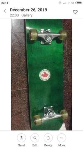 Skateboard dari kayu Maple