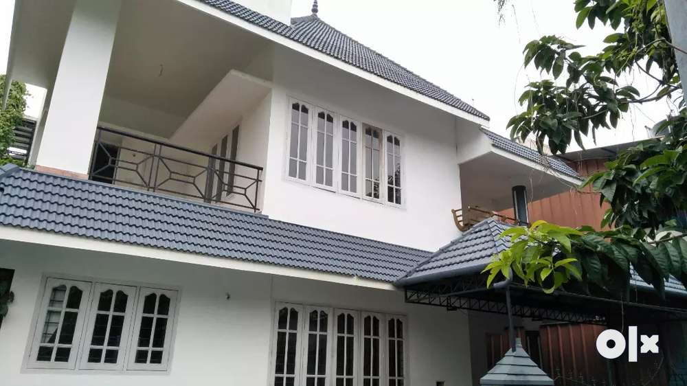 1550sqft 3bhk independent house for sale in elamakkara