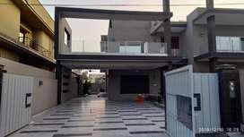 2 kanals house  - 3 storey Property for sale in valencia town Lahore