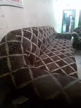 Maharaja design sofa with hole covered.Chief and best condition,,,