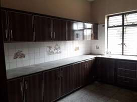 1kanal beautiful upper portion for rent in model town