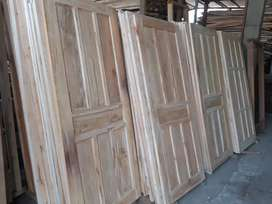 Daun pintu ,kusen pintu kayu mahoni