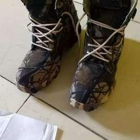 Boots Naik Gunung Buat Cowok Bisa Bayar Di Rumah
