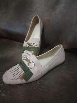 sepatu preloved wanita