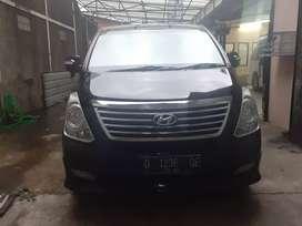 Hyundai H1 Elegance Th 2012 Di jual sangat cepatt/lagi BU