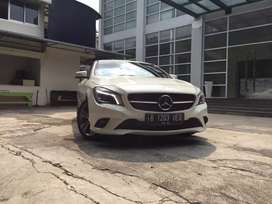 《CASH》 MERCEDES BENZ CLA 200 URBAN 2015