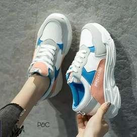 Sepatu sneaker keren