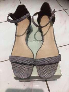 Jual sepatu sandal urban&co