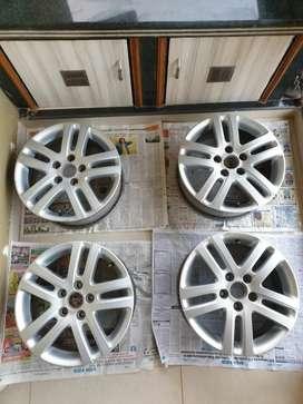 "16"" Volkswagen OEM Alloys"