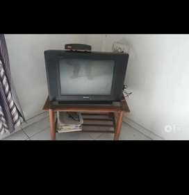 21 inch tv and set top box