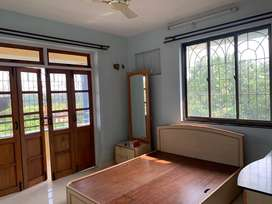 Well mainaitaind 3 Bedroom Apartment on Borda main road.