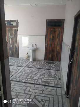 3 Rooms with 2 bathroom and a kitchen for Rent